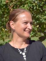 Portrait of Anna-Karin Welmer.