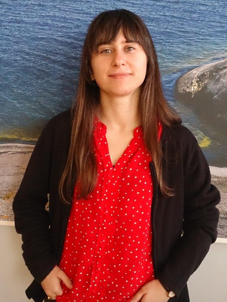 Portrait of Bárbara Avelar Pereira. Photo: Maria Yohuang.